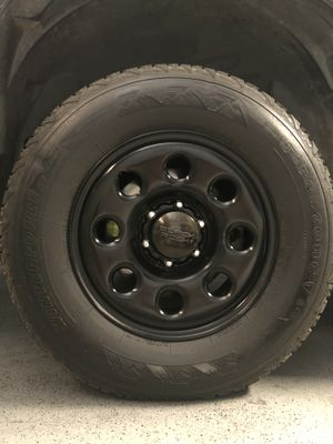 17 inch BLACK ROCK rims with FIRESTONE tires for Sale in Selma, CA