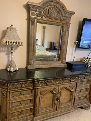 King Size Bedroom Set for Sale for Sale in West Bloomfield Township, MI