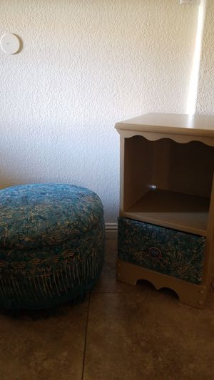 Side table for Sale in Payson, AZ