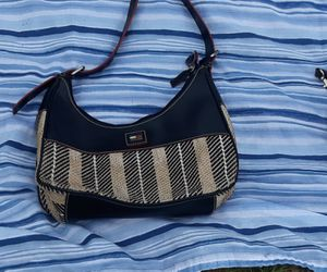 Tommy Hilfiger purses and make up bag for Sale in Milton, FL