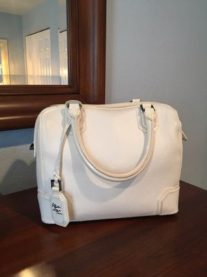 Alice and Olivia white crossbody satchel for Sale in Pinetop, AZ