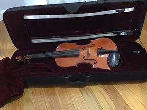 4/4 violin with soft shell case for Sale in Somers, CT