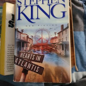 Hearts In Atlantis, Stephen King, Paperback for Sale in Kent, WA