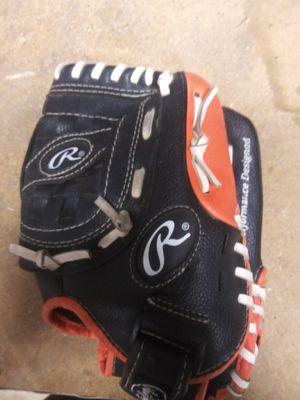 Kids baseball glove/mit for Sale in Manteca, CA