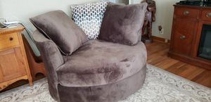 Oversized swivel chair for Sale in Elmira, NY