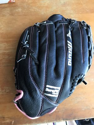 Softball glove for Sale in Lancaster, CA