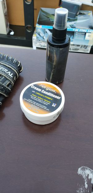 Baseball glove Conditioners for Sale in Bakersfield, CA