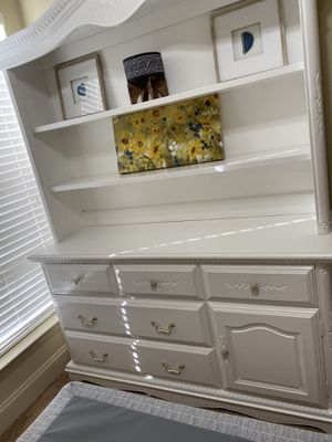 White Dresser with Shelves for Sale in Baton Rouge, LA
