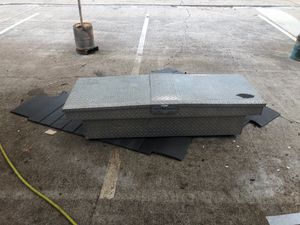 Truck tool box for Sale in Roswell, GA