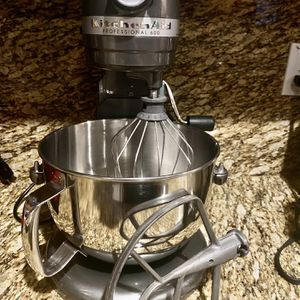 Kitchen Aid Mixer for Sale in Bakersfield, CA