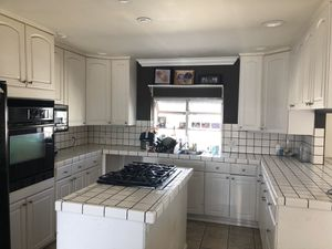 Kitchen cabinets for Sale in Gardena, CA