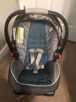 Car seat with base for Sale in Marietta, GA