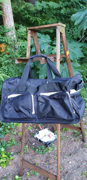 Duffle bag for Sale in Snoqualmie, WA