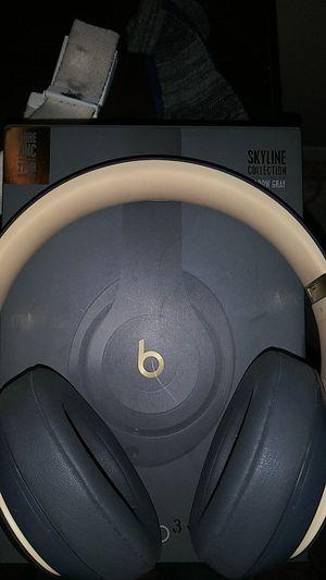 Beats headphones studio 3 skyline collection. for Sale in Lubbock, TX