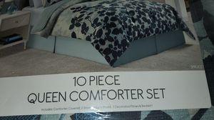 Queen bedding for Sale in Nashville, TN
