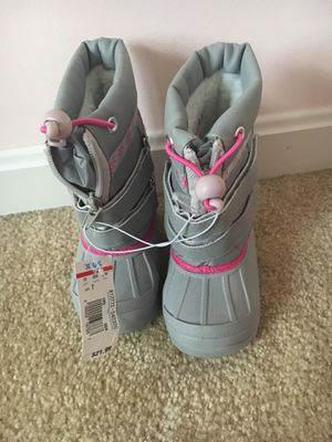 Toddler Snow Boots - Brand new,size 7 for Sale in Fredericksburg, VA