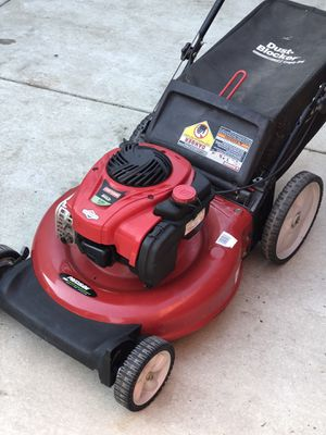 Craftsman gold push lawn mower for Sale in Sacramento, CA