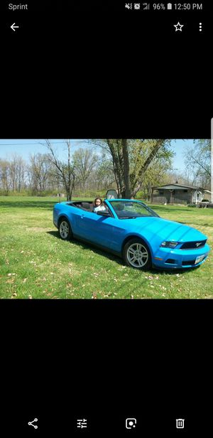 2010 ford Mustang V6 80k miles for Sale in Columbus, OH