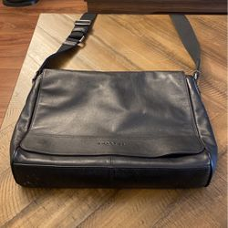 Coach Messenger Bag for Sale in Walnut Creek,  CA