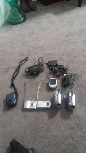 2 cameras and 2 Video Cameras for Sale in Gilbert, AZ