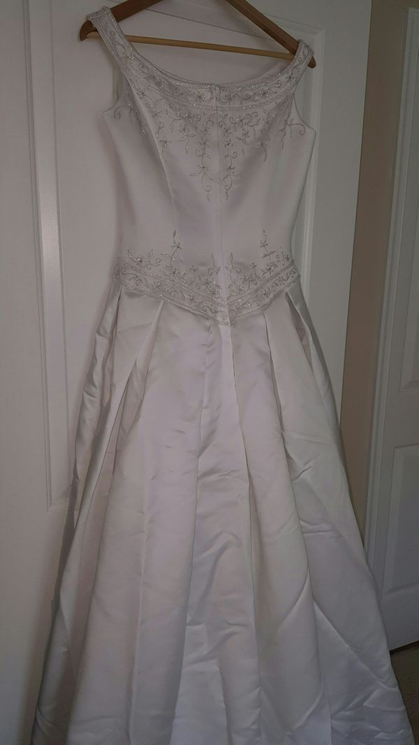 Wedding Bridal Gown Dress & Vale