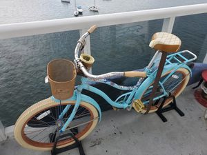 Huffy cruise bike almost new!! for Sale in Miami Beach, FL