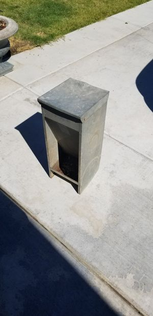 Automatic dog feeder for Sale in Hanford, CA