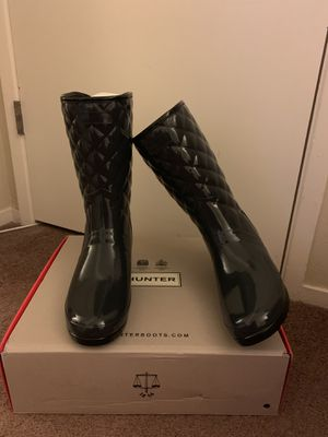 100% Authentic Brand New in Box Hunter Refined Gloss Quilted Short Waterproof Rain Boots / Women size 9 / Color: Dark Slate for Sale in Pleasant Hill, CA