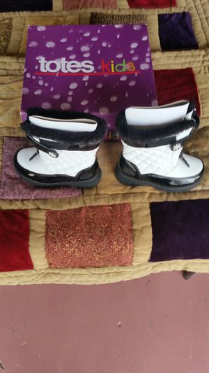 Snow boots for Sale in Banning, CA