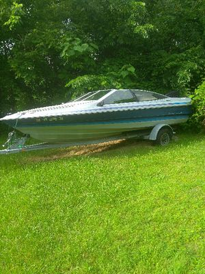 Boat 1989 Bayliner Capri for Sale in Mount Oliver, PA