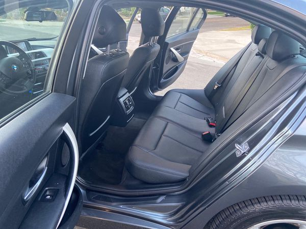 2014 BMW 320i like new condition