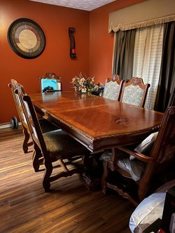 Dining room table for Sale in Prattville,  AL