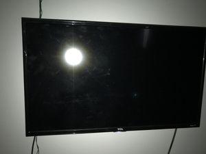 TCL Roku Tv 32in tv for Sale in Glendale, AZ