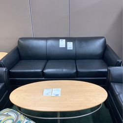 Black Leather Vinyl Sofa for Sale in Woburn,  MA