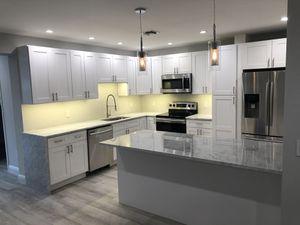 Kitchen cabinets for Sale in North Miami Beach, FL