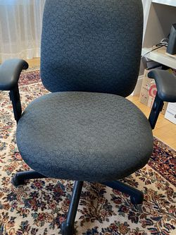Desk Chair for Sale in Watertown,  MA
