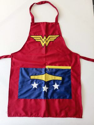 Wonder woman EMBROIDERED Apron for Adult with zipper pockets on front for Sale in Hesperia, CA