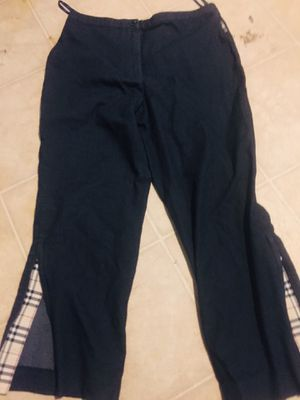 Burberry pants size 6 for Sale in Riverside, CA