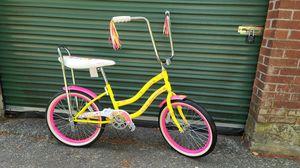 """Brand new girls Schwinn banana seat bike. 20""""wheels. NEVER USED. for Sale in Hopedale, MA"""