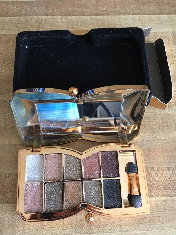 Manfer Eyeshadow Pallet with Glitter