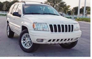 Low Price 2004 Jeep Grand Cherokee AWDWheels for Sale in Pittsburgh, PA