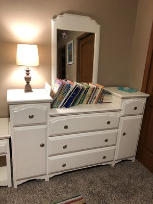 Huge dresser with attachable mirror for Sale in Peyton, CO