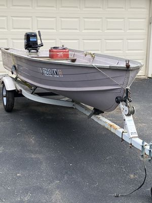 14 ft Aluminium Starcraft boat and 1997 Shore Lander trailer. for Sale in Roselle, IL
