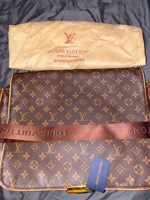 Louis Vuitton Bag for Sale in Opa-locka, FL