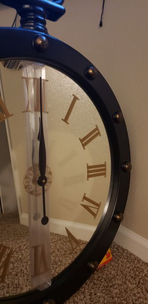 Mirrored wall clock brand new for Sale in Houston, TX