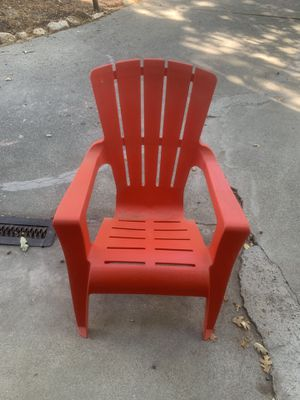 Red Arondack chair (plastic) for Sale in Lake Arrowhead, CA
