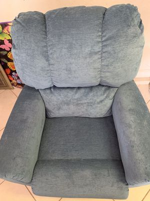La-z-boy recliner for Sale in Hialeah, FL