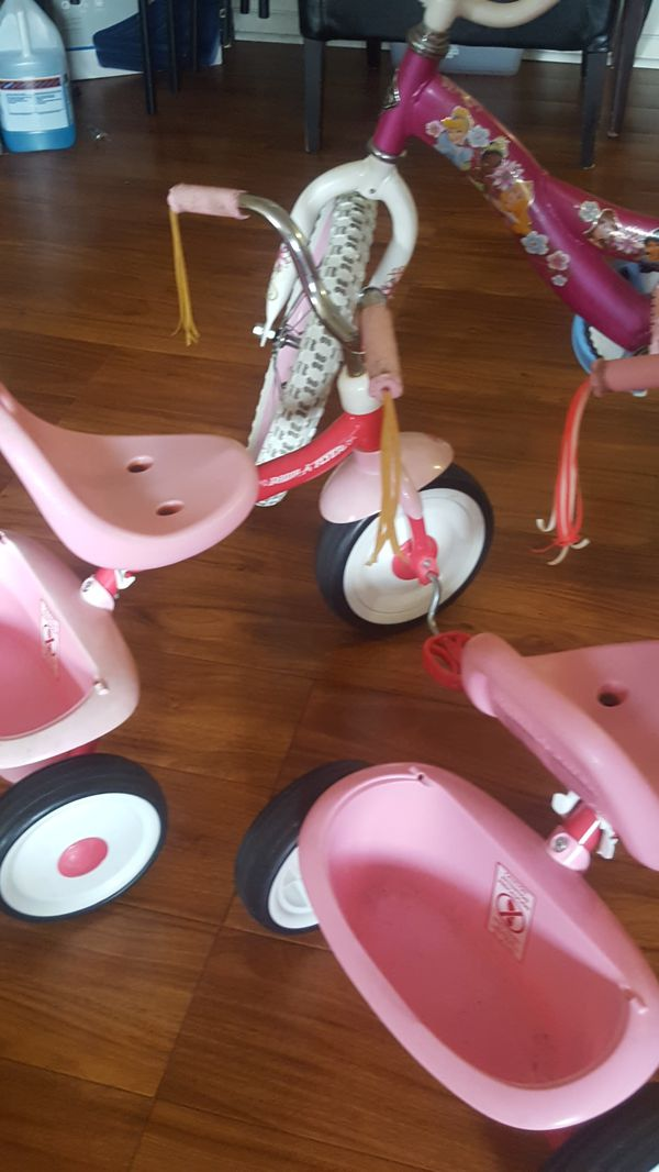 Bicicleta y triciclo para niñas