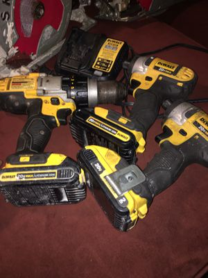 3 dewal drills on sale comes whit 3 batterys and 1 charger all working good im asking 240 dollars firm price in oakland for Sale in Oakland, CA