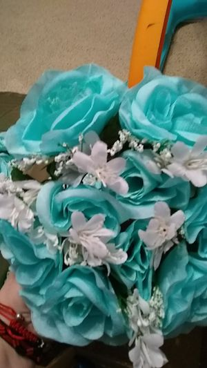 Decorations flower $1.00 each there is #8 total for Sale in Ada, OK